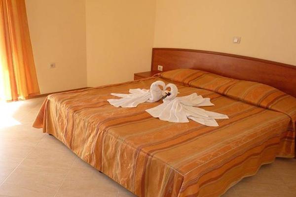 hotel palazzo one bedroom apartment
